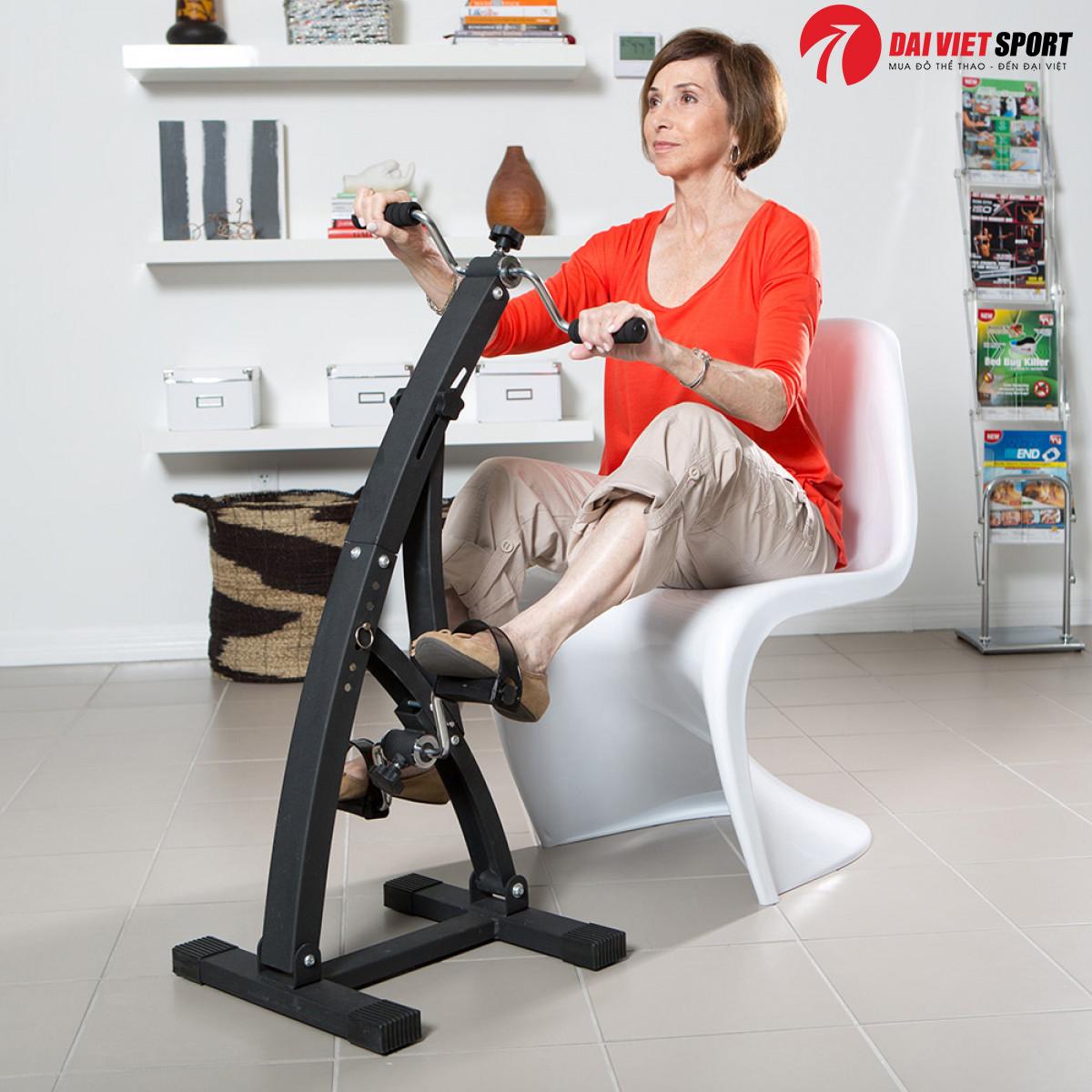 máy tập đạp xe cho người già