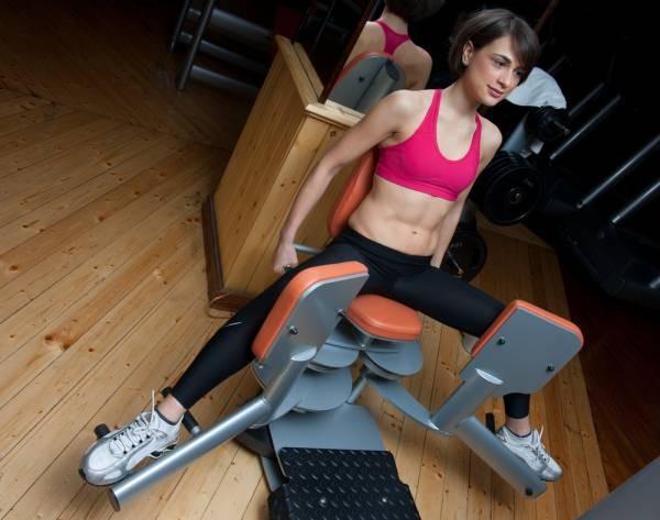 5 bài tập thay thế cho máy tập tại phòng gym