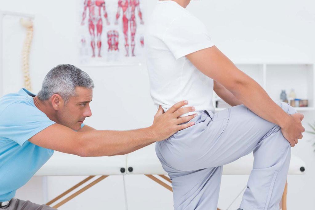 nguyên nhân khiến bạn bị đau lưng