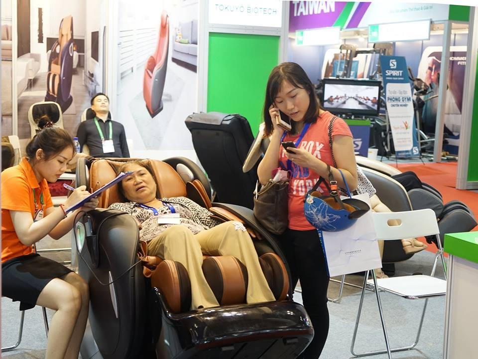 ghế massage cho người già 5