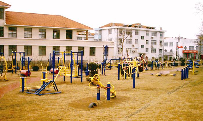 Khỏe cùng máy tập thể dục công viên không hề khó?