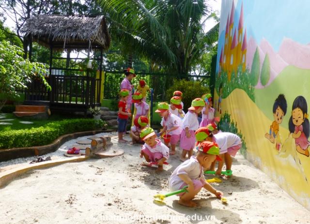 Sân chơi cát