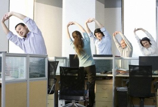 thoái hóa cột sống ở dân văn phòng