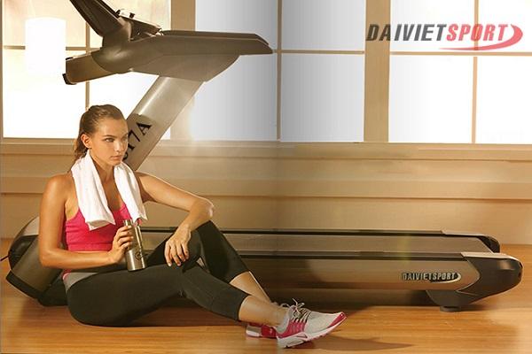 Tiêu chí chọn máy chạy bộ điện chuyên dụng cho phòng gym